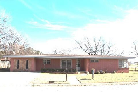 231 S Sycamore St, Muenster, TX 76252
