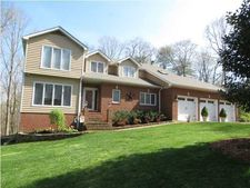 2616 Laurel Creek Dr, Signal Mountain, TN 37377