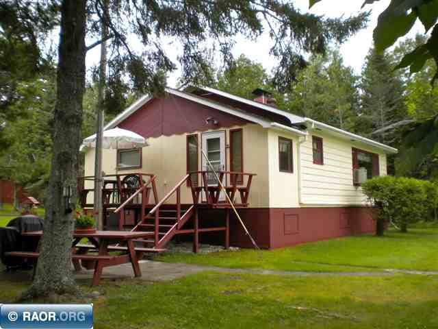 5699 Hoodoo Point Rd, Tower, MN 55790