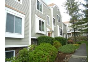 71 Aiken St Apt L9, Norwalk, CT 06851