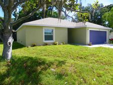 5845 Pine St, New Port Richey, FL 34652