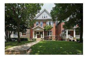 4153 W Pine Blvd, St Louis, MO 63108