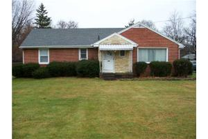 931 Harrow Rd, Toledo, OH 43615