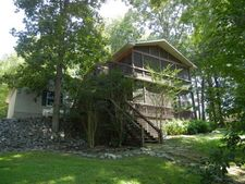 526 Riverview Trl, Cadiz, KY 42211