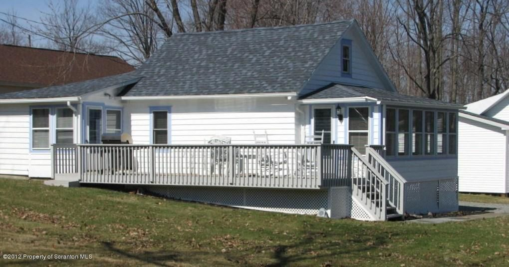 10 Blakely St Scott Township, PA 18433