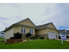 406 Wildflower Dr, Fairfax, IA 52228