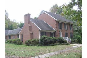 8043 Thorndike Rd, Greensboro, NC 27409