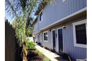 417 E St, Waterford, CA 95386