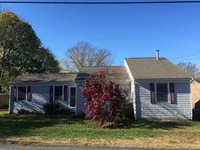 14 Sherman Ln, Middletown, RI 02842