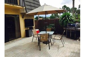 1125 11th Way, West Palm Beach, FL 33407