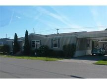 35 Somerset Rd, Chicopee, MA 01020