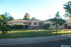 1121 W Churchill St, Stockton, CA 95207