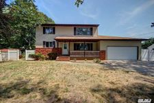 149 Queens Ave, West Babylon, NY 11704