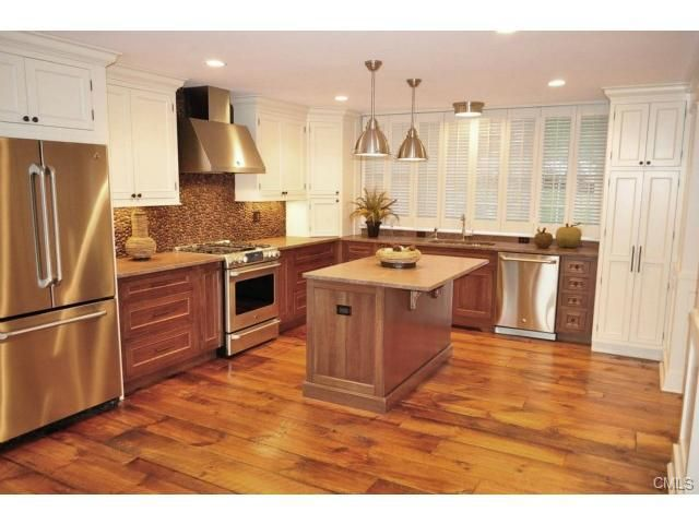 136 n lake shore dr brookfield ct 06804 for Design plus kitchen and bath brookfield ct