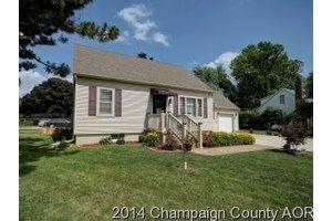 502 Wildwood Ct, Champaign, IL 61821