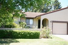 135 Vineyard Cir, Yountville, CA 94599