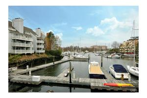 123 Harbor Dr Apt 209, Stamford, CT 06902
