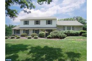 115 Green Valley Dr, Churchville, PA 18966