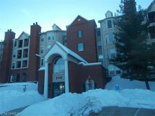 240 Fox Hollow Dr Apt 110, Cleveland, OH 44124