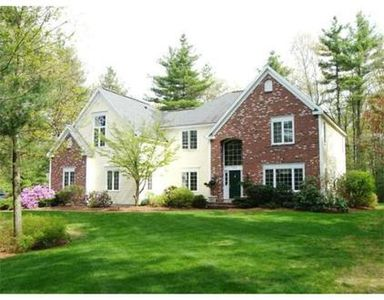 208 Newtown Rd, Acton, MA