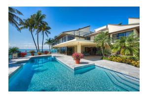 28 Harbor Pt, Key Biscayne, FL 33149