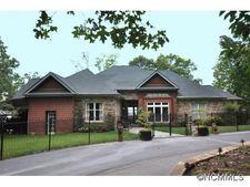 200 Ridgeview Dr, Hendersonville, NC 28792