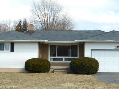 1205 Harris Rd, Sheffield Village, OH 44054