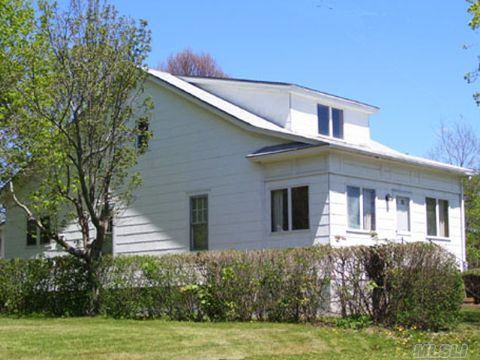 aquebogue singles Home for sale by century 21 real estate:3 bed, 2 full bath house located at 13 harbor rd, aquebogue, ny 11931 for $869,000 mls# 2841369.