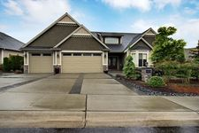 21814 26th St E, Lake Tapps, WA 98391