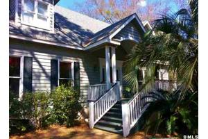 70 Dolphin Point Dr, Beaufort, SC 29907