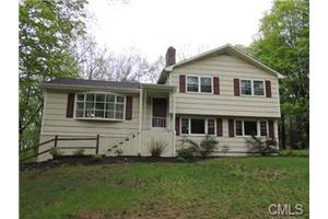 85 Haviland Dr, Trumbull, CT 06611