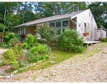 100 Franklin Ter Unit 1, Tisbury, MA 02568