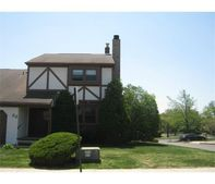 22 Chesterfield Way, Sayreville, NJ 08872