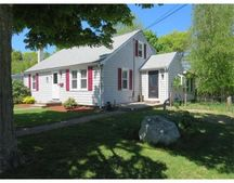 11 Pilgrim St, Kingston, MA 02364