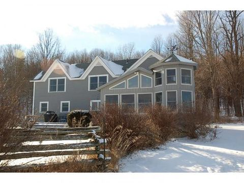 84 Galvin Rd, Whiting, VT 05778