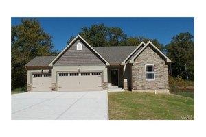121 Shelburne Ct, Hillsboro, MO 63050