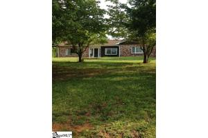 2810 State Park Rd, Greenville, SC 29609