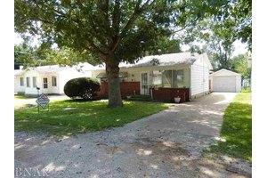 107 S Miller St, Clinton, IL 61727