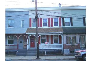 210 Franklin St, Quakertown, PA 18951