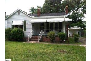 104 Oak St, Greenville, SC 29611