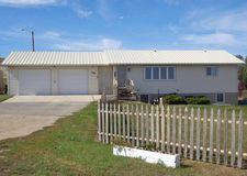 106 7th St W, Bainville, MT 59212