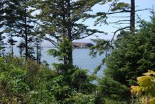 41 Sea Crest Ln, Otter Rock, OR 97369