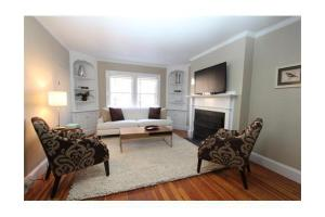 148 Mount Vernon St, Boston, MA 02108