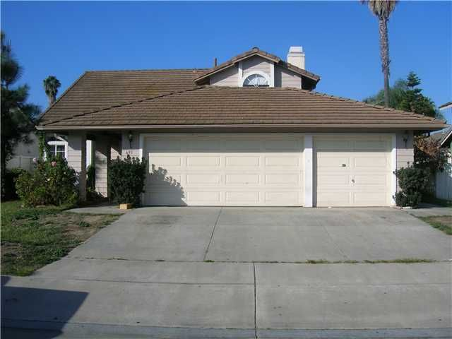 695 Foxwood Dr, Oceanside, CA 92057