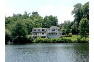 33 Lake Shore Dr, South Salem, NY 10590