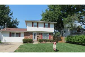 852 Cherry Ln, Waterville, OH 43566