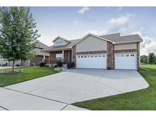 2864 Nw 167th St, Clive, IA 50325