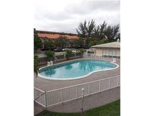 11840 Ne 19th Dr Apt 14, North Miami, FL 33181
