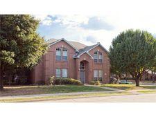 8102 Carson Ct, Rowlett, TX 75088