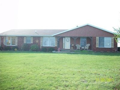 3690 E 2500 North Rd, Armstrong, IL